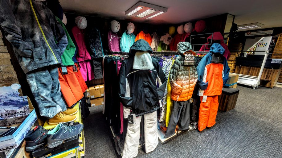 Winter jackets, pantsand clothes in Borovets