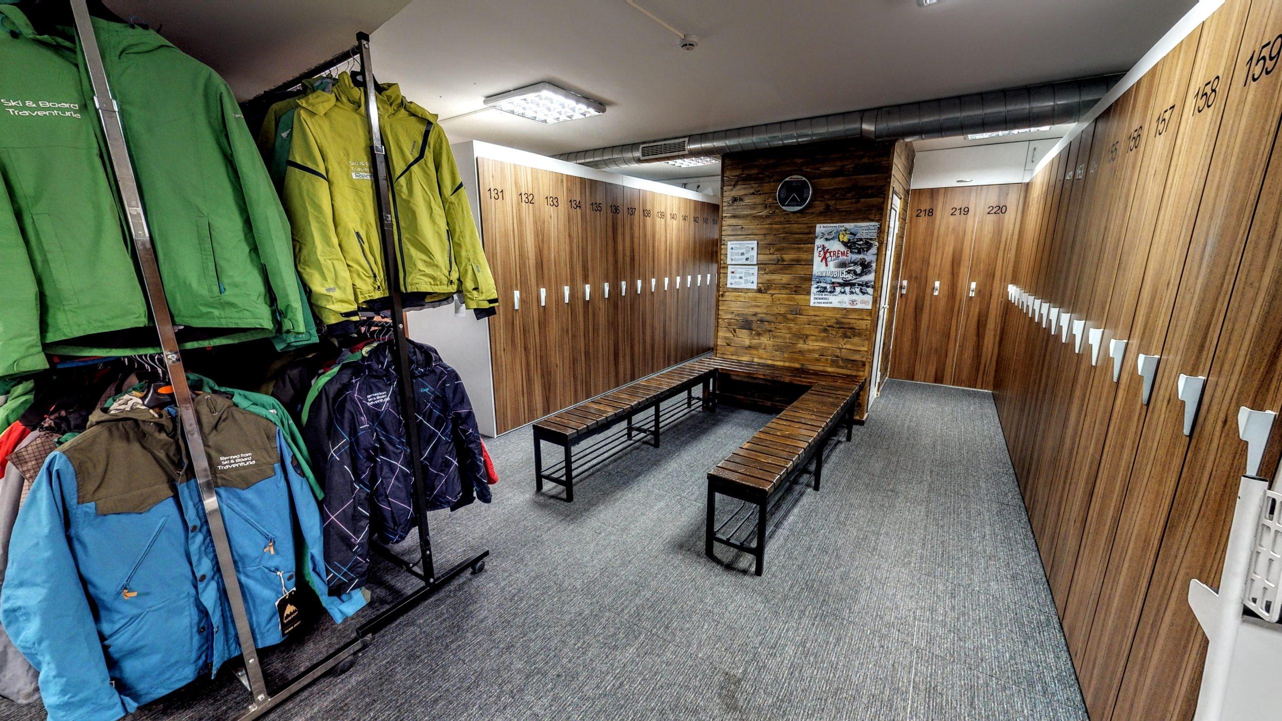 Ski Board Traventuria Storage Lockers